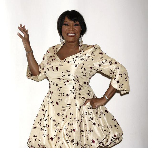 Patti LaBelle has agreed to pay 100,000 dollars to Roseanna Monk