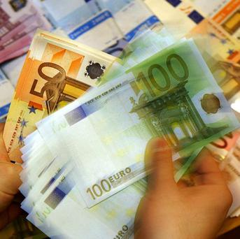 European Central Bank should supervise all banks in the 17 countries that use the euro, the European Commission said