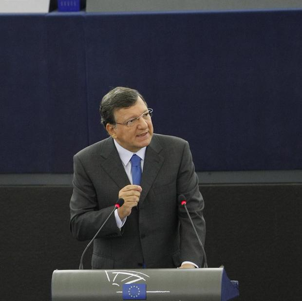 Jose Manuel Barroso warned financial crisis is 'fuelling populism and extremism'