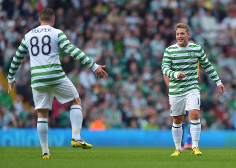 Kris Commons (right) wants a blitz on Benfica