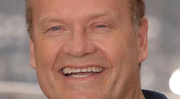 Kelsey Grammer apparently ran out of an interview with Piers Morgan