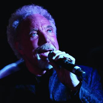 Sir Tom Jones made a surprise appearance at a pub