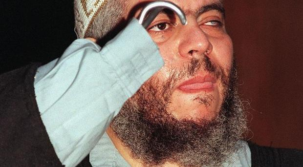 US prison chiefs believe Abu Hamza could use his hook as a weapon