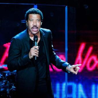 Lionel Richie's UK tour is back on schedule