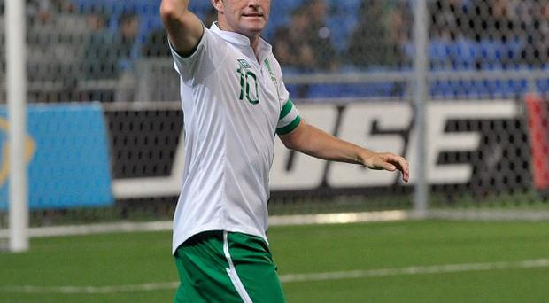 Robbie Keane has pledged his backing to Giovanni Trapattoni