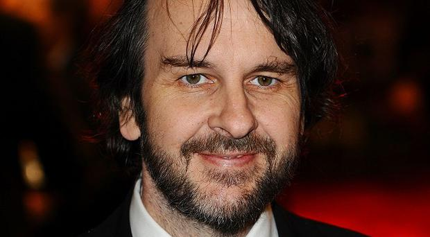 Peter Jackson will give Prince Charles a behind-the-scenes tour of The Hobbit when he visits New Zealand