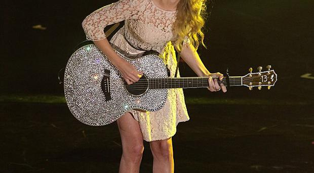 Taylor Swift spent a whole night jamming with Ed Sheeran