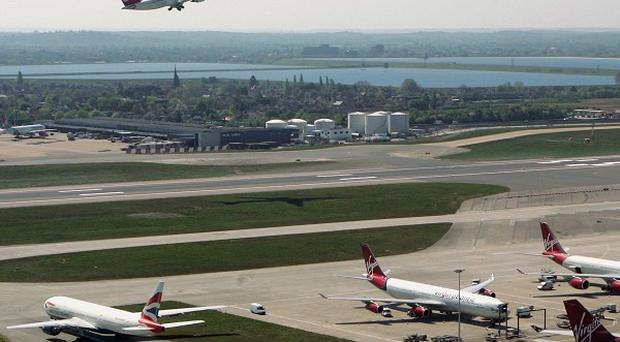 Experts are urging the Government to plan for an alternative hub airport if Heathrow cannot realistically be expanded beyond three runways