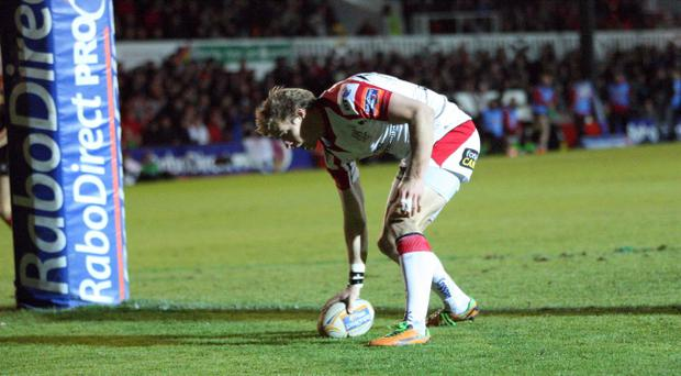 Andrew Trimble of Ulster runs in un opposed to score a try