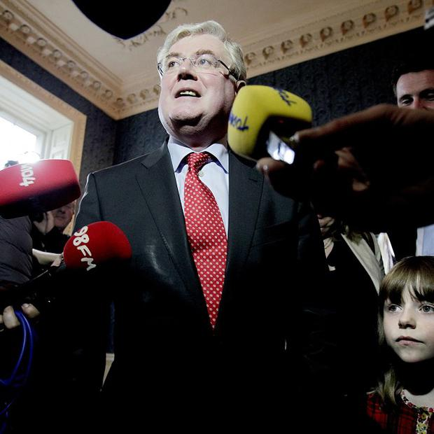 The Red C survey in the Sunday Business Post newspaper shows that Eamon Gilmore's party has slipped one point