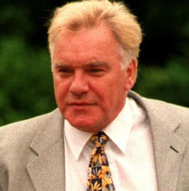 Freddie Starr has been rearrested in connection with the Jimmy Savile sexual abuse investigation