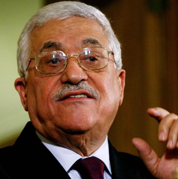 Israel has welcomed an apparent concession by Palestinian President Mahmoud Abbas over the issue of refugees
