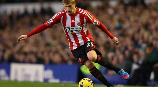 LIVERPOOL, ENGLAND - NOVEMBER 10: James McClean of Sunderland controls the ball during the Barclays Premier League match between Everton and Sunderland at Goodison Park on November 10, 2012 in Liverpool, England. (Photo by Alex Livesey/Getty Images)