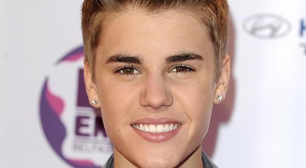 Justin Bieber was reportedly pursued by a pack of six paparazzi vehicles
