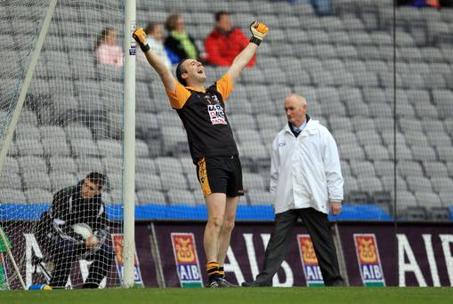 Crossmaglen goalkeeper Paul Hearty has declared himself fit to face Kilcoo in the Ulster Club final