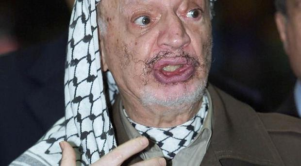 The remains of former Palestinian leader Yasser Arafat have been exhumed from his grave
