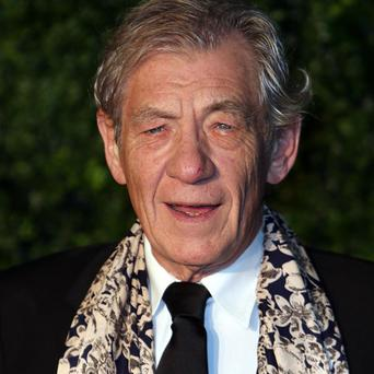 Sir Ian McKellen will be made a doctor of letters for services to acting by the University of Ulster