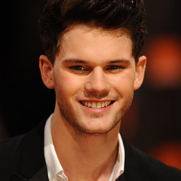 Jeremy Irvine said that he doesn't want to be famous