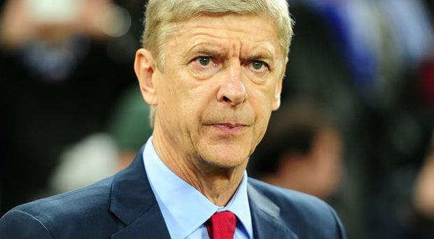 Arsene Wenger says he won't be swayed by opinions on the terraces