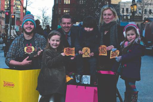 'A Boy & His Box' actor Dan Leith with Colin Todd of Brennans Bread, Martha Moore (front) and Julie-Ann O'Connor (r) with her children Henry and Isabella.