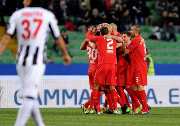 UDINE, ITALY - DECEMBER 06: Jordan Henderson of Liverpool celebrates with team-mates after scoring his opening goal during the UEFA Europa League Group A match between Udinese Calcio and Liverpool FC at Stadio Friuli on December 6, 2012 in Udine, Italy. (Photo by Dino Panato/Getty Images)