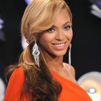 A US talk show host has refused to take back comments she made about Beyonce