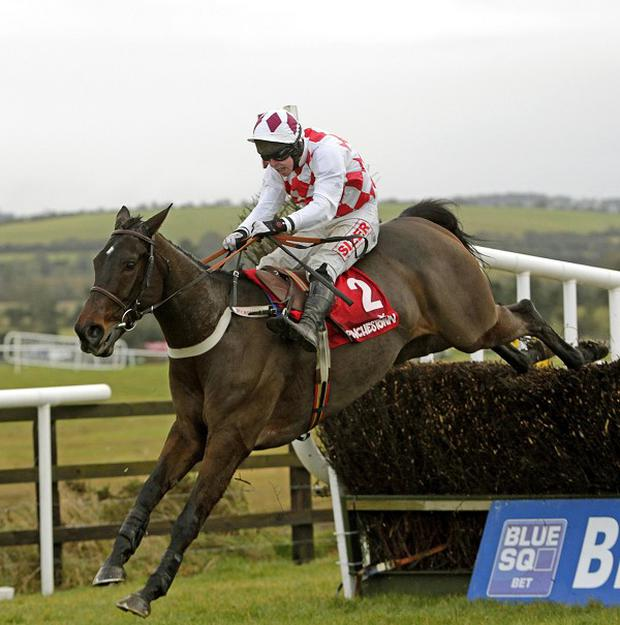 Flemenstar and Andrew Lynch on the way to winning the John Durkan