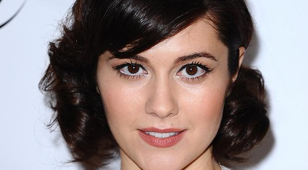 Mary Elizabeth Winstead reckons she's a 'bottler upper'