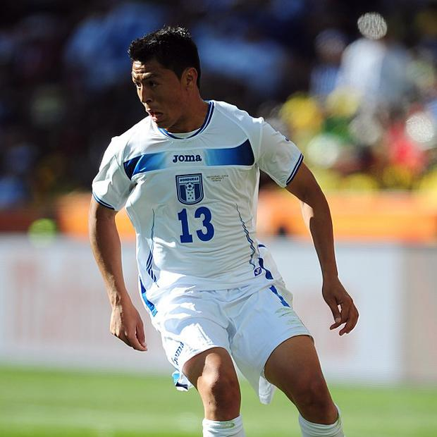 Honduras international Roger Espinoza has been given the go-ahead to join Wigan