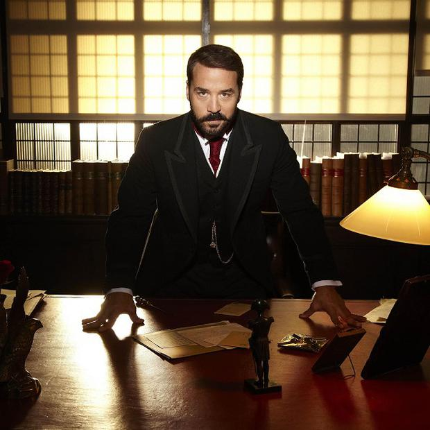 Jeremy Piven plays the title role in Mr Selfridge
