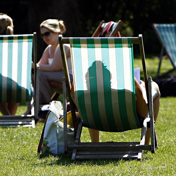 The Met Office said temperatures are likely to be between 0.28C and 0.59C above the 1971-2000 average in 2013-2017