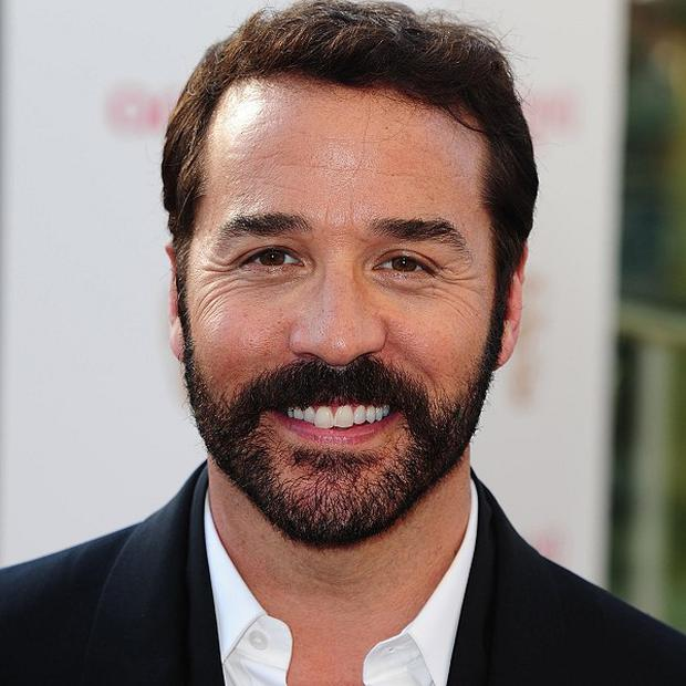 Jeremy Piven says British actors work hard and are 'humble'