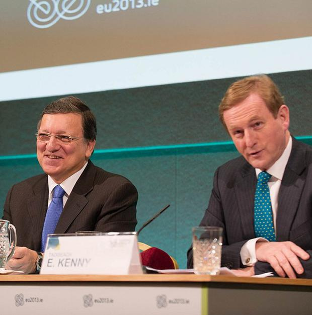 Jose Manuel Barroso and Enda Kenny are holding talks on Ireland's bank debt
