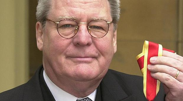 Sir Alan Parker is to receive the Bafta Fellowship