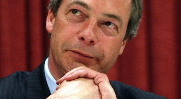 Ukip leader Nigel Farage says new recruit Philip Fawkes is the '10 times great grandson' of Guy Fawkes