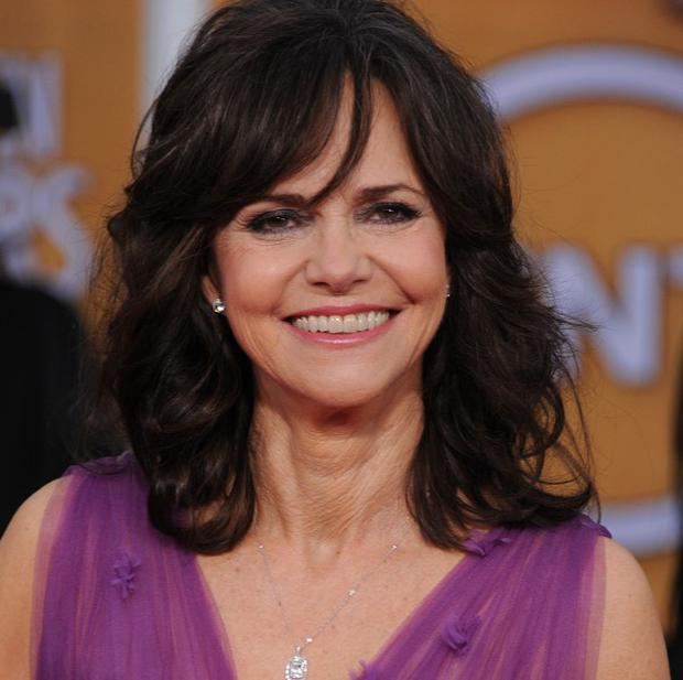 Sally Field reckons it's normal for actors to stay in character