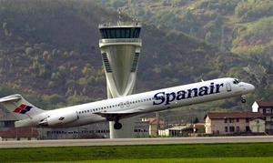 A Spanair plane similar to the one involved in the accident at Madrid's Barajas Airport (AP)