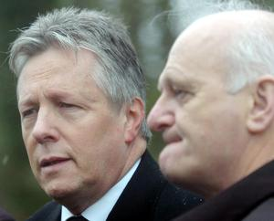First Minister Peter Robinson and Willie McRea at the scene of the attack