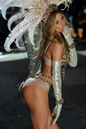 NEW YORK, NY - NOVEMBER 07:  Victoria's Secret Angel Doutzen Kroes walks the runway during the Victoria's Secret 2012 Fashion Show on November 7, 2012 in New York City.  (Photo by Bryan Bedder/Getty Images for SWAROVSKI ELEMENTS)