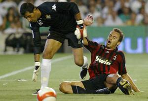 <b>Gilardino </b><br/>  Celtic were at the centre of another mysterious dive in their penalty area in 2007. After an excellent run, AC Milan striker Gilardino suddenly realised he wouldn't get the ball in... so instead, he opted for ... well, suddenly falling dramatically to the ground, even though there was no Celtic player in sight. Fortunately, the referee didn't fall for it, and a stunned Gilardino got a yellow card.