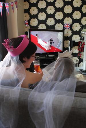 ©Press Eye Ltd Northern Ireland - 29th April 2011 Mandatory Credit - Photo-William Cherry/PresseyeA mother and daughter in their crown and veils along with families around the country watch the Royal Wedding as Prince William and Catherine Middleton get married at Westminster Abbey.