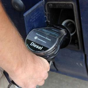 Northern Ireland's motorists should benefit from a similar fuel duty relief system currently operating in Scotland, the Assembly says
