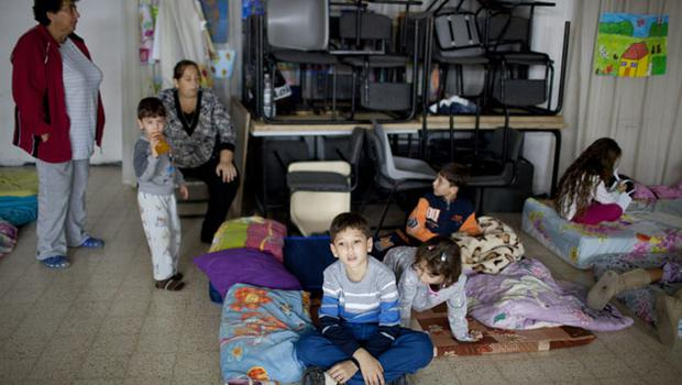NETIVOT, ISRAEL - NOVEMBER 14:  (ISRAEL OUT) Israeli children sit in a bomb shelter on November 14, 2012 in Netivot, Israel. Israel Defense Forces launched aerial attacks on targets in Gaza that killed the top military commander of Hamas, (Photo by Uriel Sinai/Getty Images)