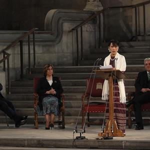Aung San Suu Kyi addresses both Houses of Parliament, in Westminster Hall, at the Houses of Parliament