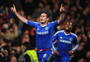 LONDON, ENGLAND - MARCH 01:  Frank Lampard of Chelsea celebrates scoring his penalty during the Barclays Premier League match between Chelsea and Manchester United at Stamford Bridge on March 1, 2011 in London, England.  (Photo by Clive Mason/Getty Images)