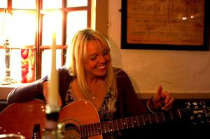 Tanya Strowger wowed the judges in the Ards International Guitar Festival's Spotlight competition to win an Avalon guitar