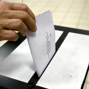 Poll shows most back switch to proportional representation