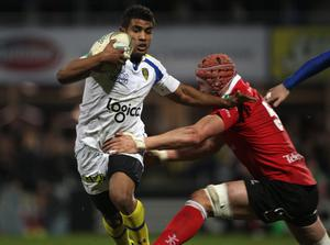 CLERMONT-FERRAND, FRANCE - JANUARY 21:  Wesley Fofana of Clermont is tackled during the Heineken Cup match between ASM Clermont Auvergne and Uster at Stade Marcel Michelin on January 21, 2012 in Clermont-Ferrand, France.  (Photo by Tom Shaw/Getty Images)