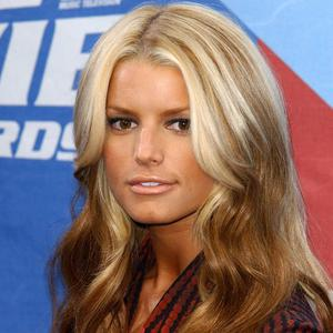 Jessica Simpson says she's under no pressure to lose weight