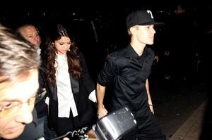 BELFAST, NORTHERN IRELAND - NOVEMBER 05:  MTV Europe Music Awards Hostess Selena Gomez and singer Justin Bieber arrive to attend the MTV Voices Dinner during the MTV Europe Music Awards 2011 at the Merchant Hotel on November 5, 2011 in Belfast, Northern Ireland.  (Photo by Dave J Hogan/Getty Images)